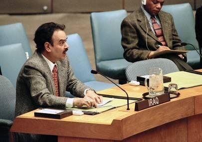 Den irakiska FN-ambassadören talar till säkerhetsrådet 1998 när de diskuterar den amerikansk-brittiska militära åtgärden mot Irak. Foto: UN Photo/ Evan Schneider