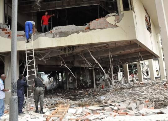 FN-kontoret i Abuja etter at en bilbombe har eksplodert, august 2011.