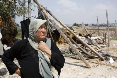 Aleye Al-Dor forteller hvordan borgerkrigen har forandret livet hennes . Foto: UN Photo/Mark Garten